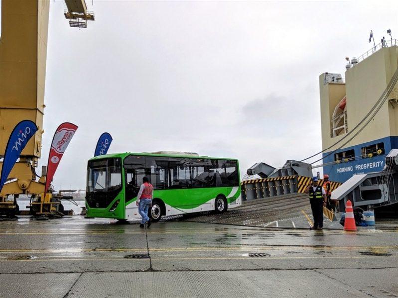Puerto de Buenaventura desembarcan 47 buses eléctricos nuevos provenientes de China