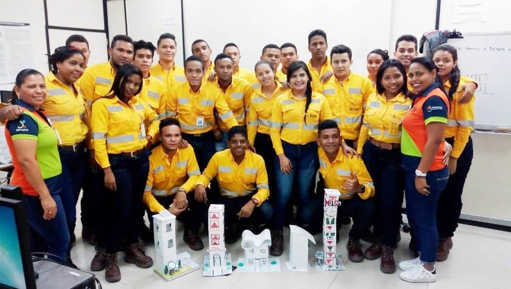 Cerrejón gradúa a primera promoción de técnicos en Logística Empresarial