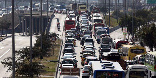 El 23 marzo arranca el piloto del pico y placa de puente festivo por la Autopista Sur