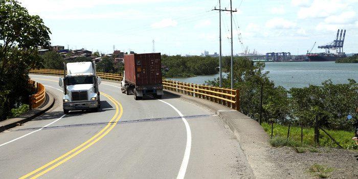 Gobierno Nacional adopta medidas para facilitar desplazamientos de los camioneros y reconoce su apoyo al país