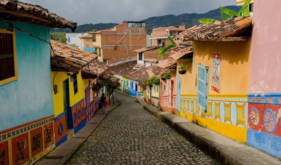 Colombia, Panamá y Ecuador entre los países con certificado de viajes seguros